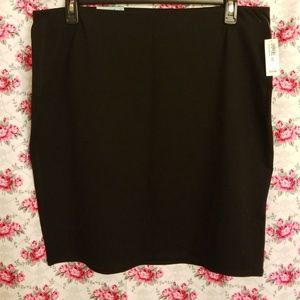 OLD NAVY BASIC BLACK SKIRT